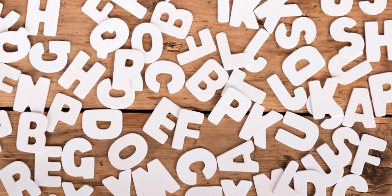 Buchstaben auf Holz