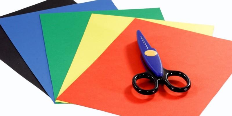 Farbige Papierbögen